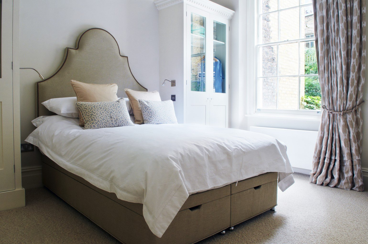luxury carpet in cute bedrrom