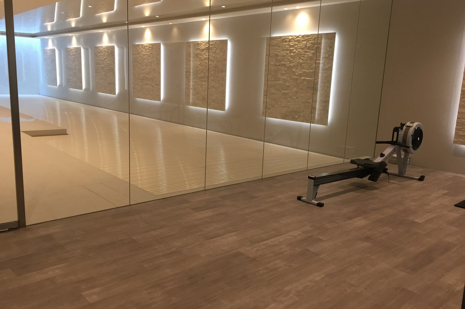 luxury Karndean flooring poolside
