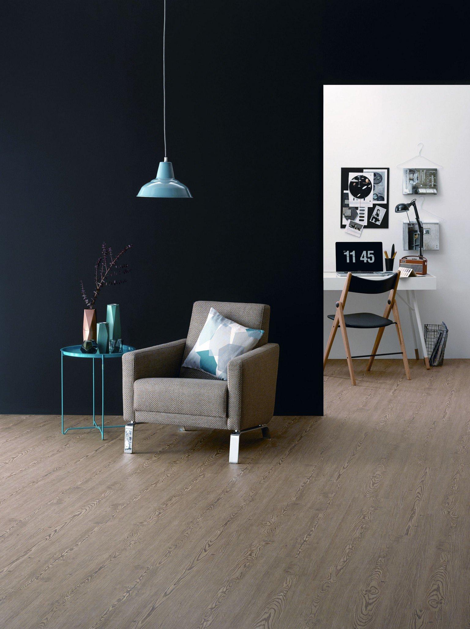 pale wood effect luxury vinyl karndean and amtico