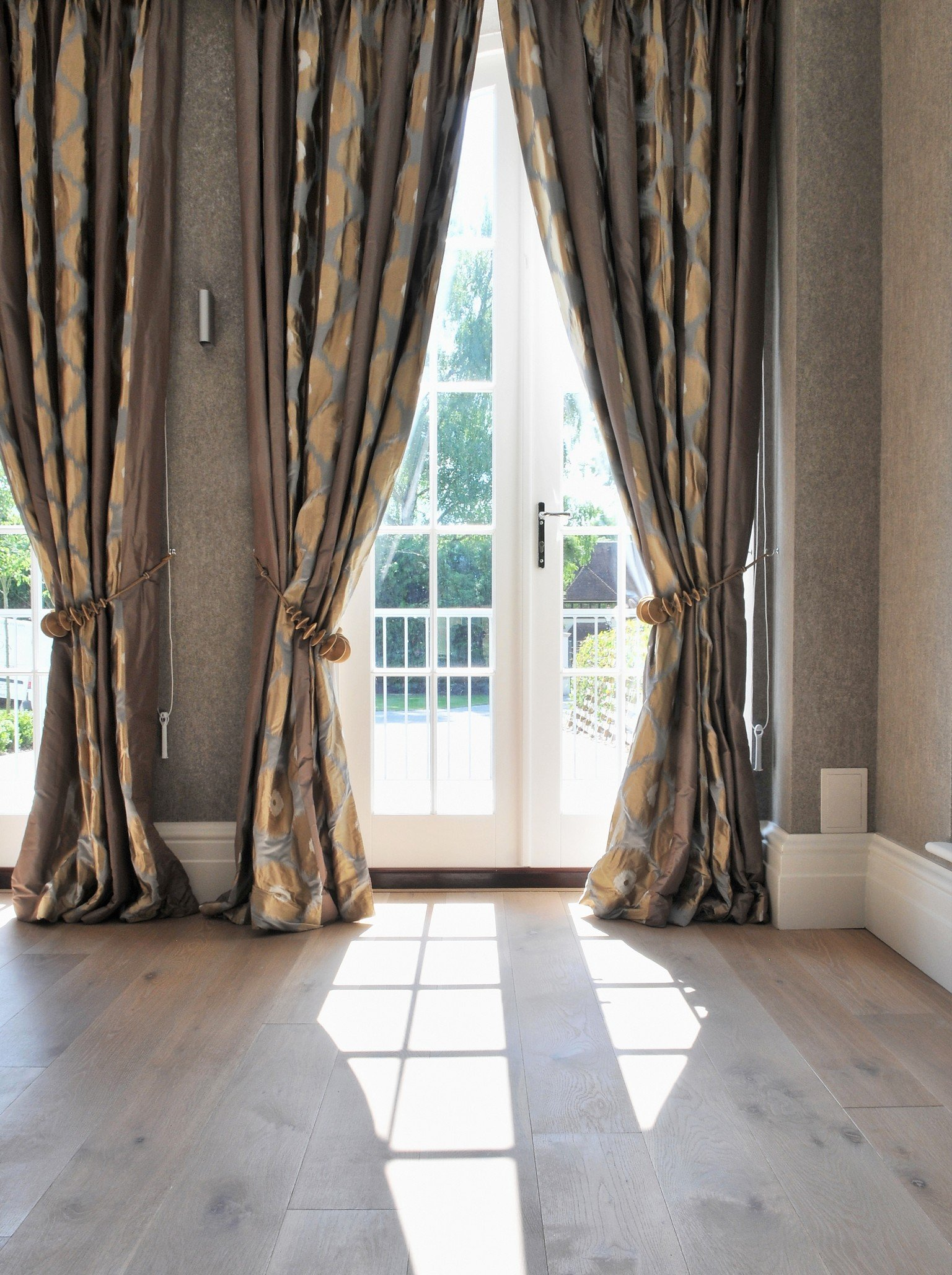 wood flooring and sash windows